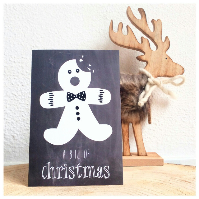 A bite of christmas...  Mjammie...    #blackandwhite #christmas  #gingerbread  #card #design #hommadbymarlies chalkboard
