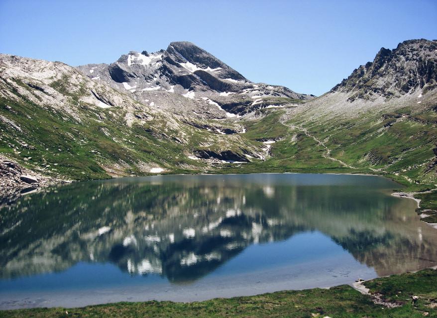 #upsidedown #mountain  #nature #travel #photography #lake #alpes
