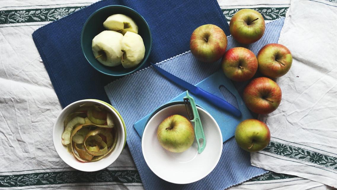 #breakfast  #apple #apples  #blue  #photography  #colorful #colorsplash  #dramaeffect  #drama  #freetoedit  #homemade
