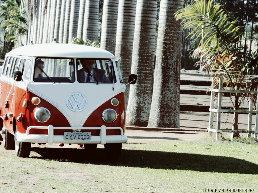 Repost and reedited to #dailyinspiration #TBT Thank you Picsart for choose my Picture on the best of TBT #wolksWagen #kombi #oldphoto #cars