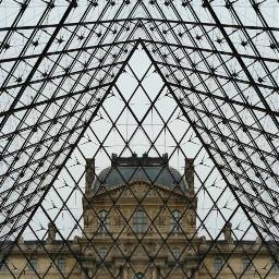 mirror pyamide louvre architecture paris