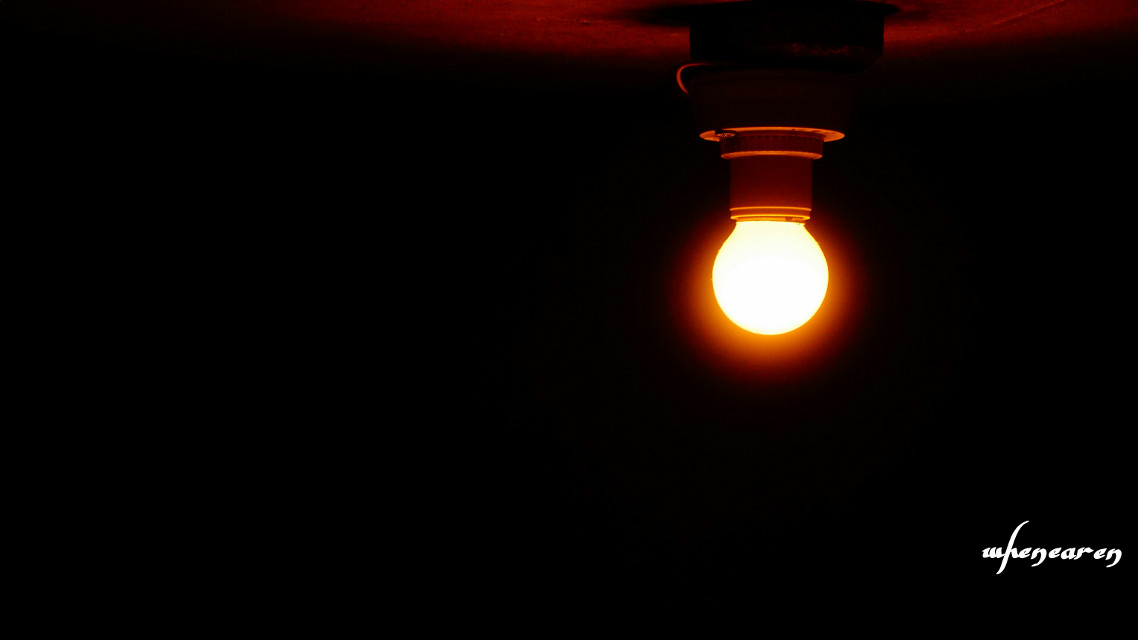 孤灯 lonely light